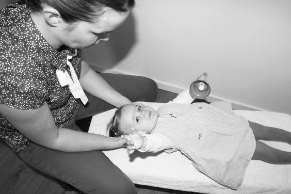seance-bebe-osteopathie-julie-robine-osteopathe-bretagne